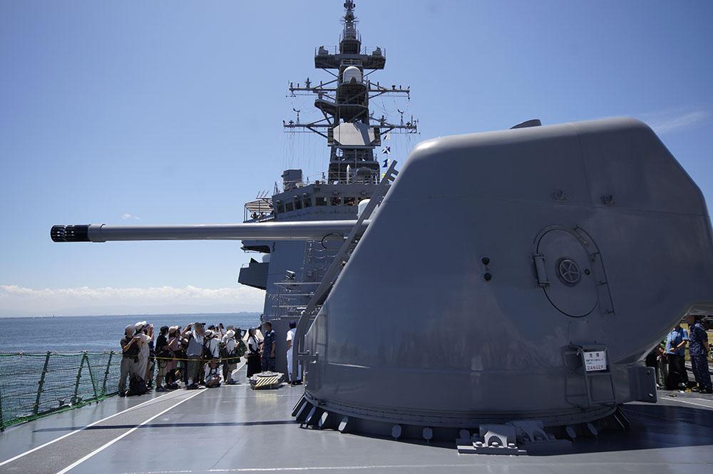 護衛艦さざなみ 54口径127ミリ単装速射砲