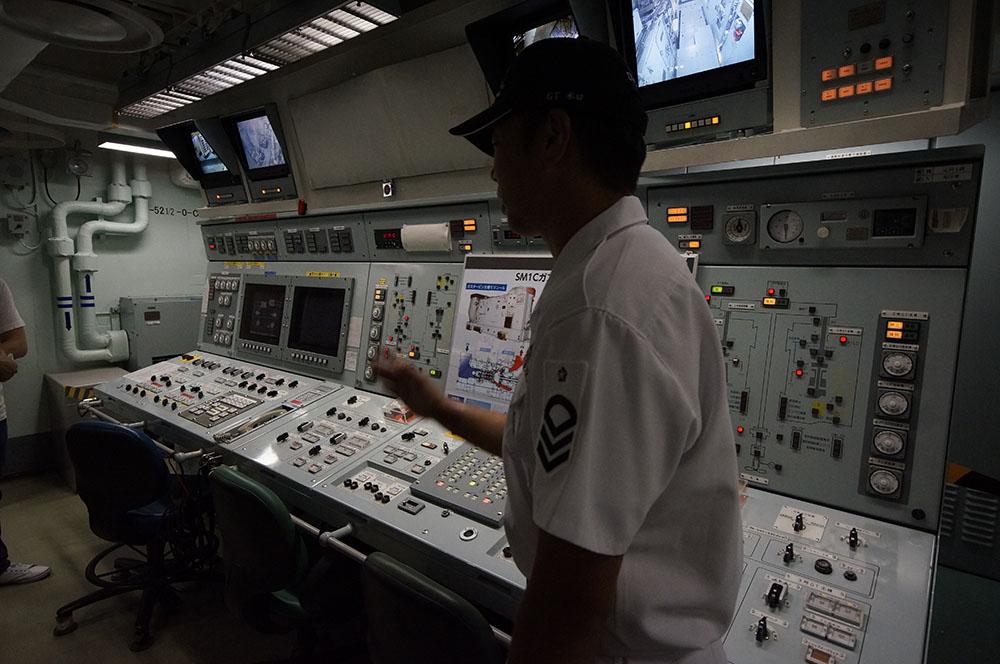 主機操縦室兼応急指揮所